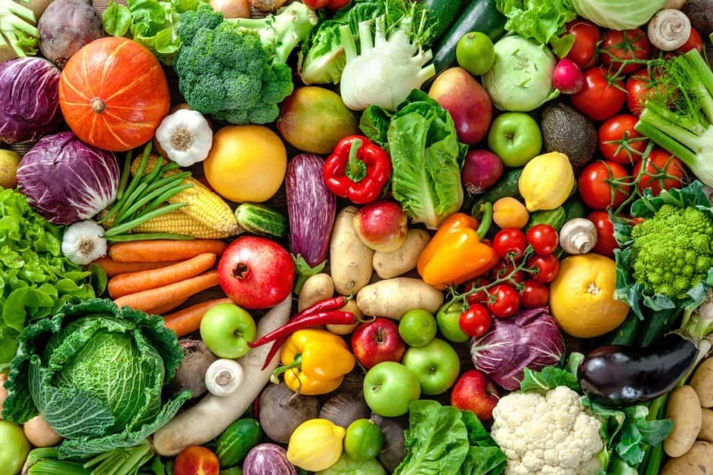 Çeşit çeşit ve rengarenk sebzeler