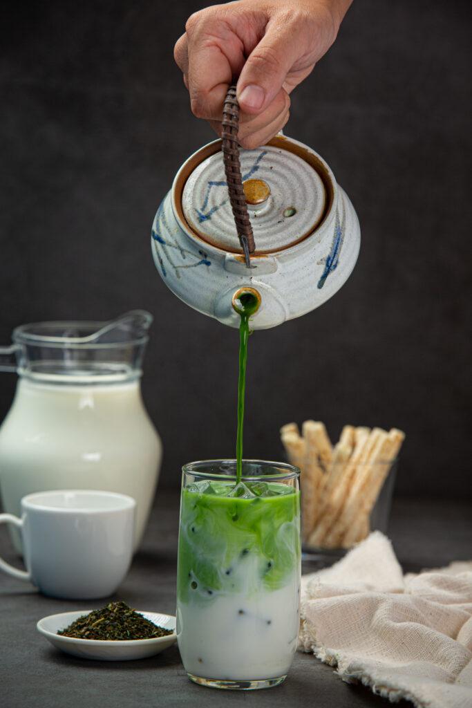 Sütlü matcha çayı